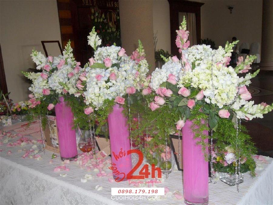 Dịch vụ cưới hỏi 24h trọn vẹn ngày vui chuyên trang trí nhà đám cưới hỏi và nhà hàng tiệc cưới | Hoa để bàn 17