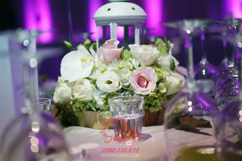 Dịch vụ cưới hỏi 24h trọn vẹn ngày vui chuyên trang trí nhà đám cưới hỏi và nhà hàng tiệc cưới | Hoa để bàn 27