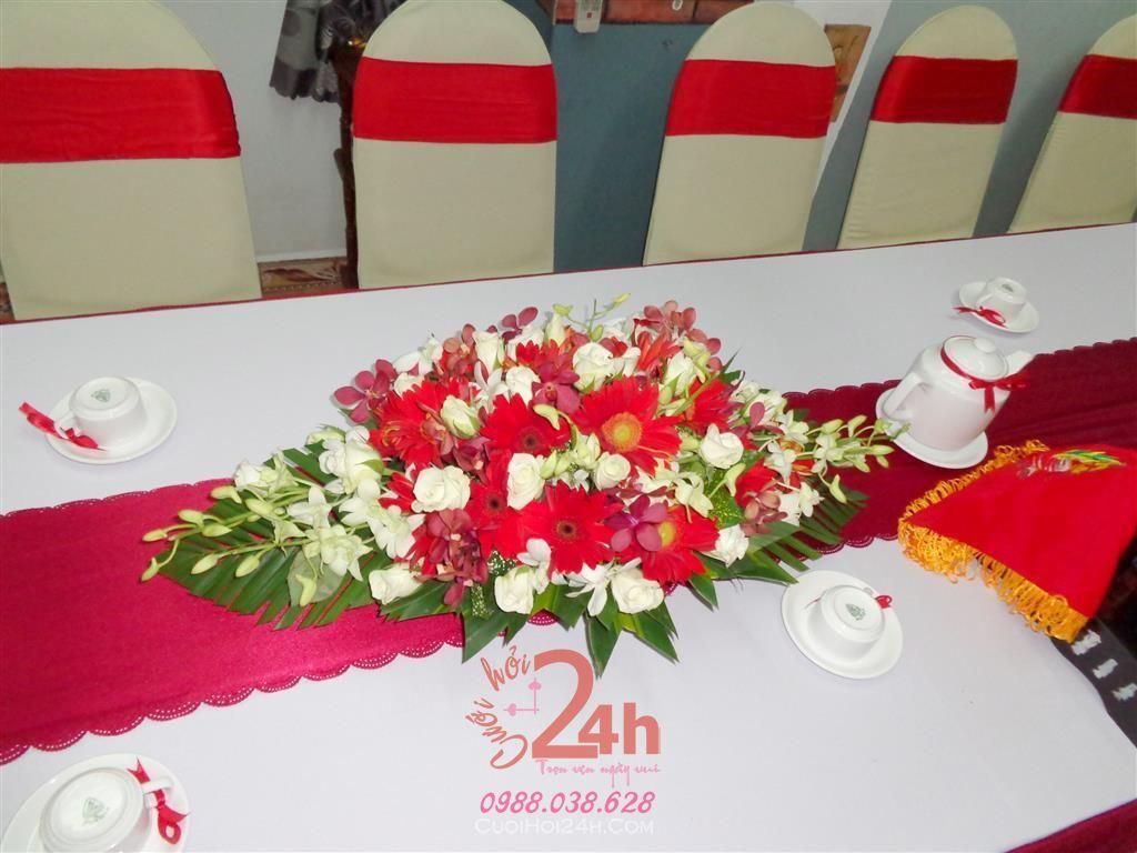 Dịch vụ cưới hỏi 24h trọn vẹn ngày vui chuyên trang trí nhà đám cưới hỏi và nhà hàng tiệc cưới | Hoa để bàn màu đỏ đẹp