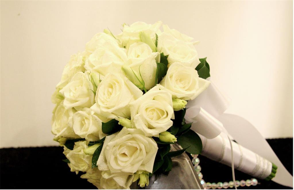 Dịch vụ cưới hỏi 24h trọn vẹn ngày vui chuyên trang trí nhà đám cưới hỏi và nhà hàng tiệc cưới | Hoa hồng trắng 2