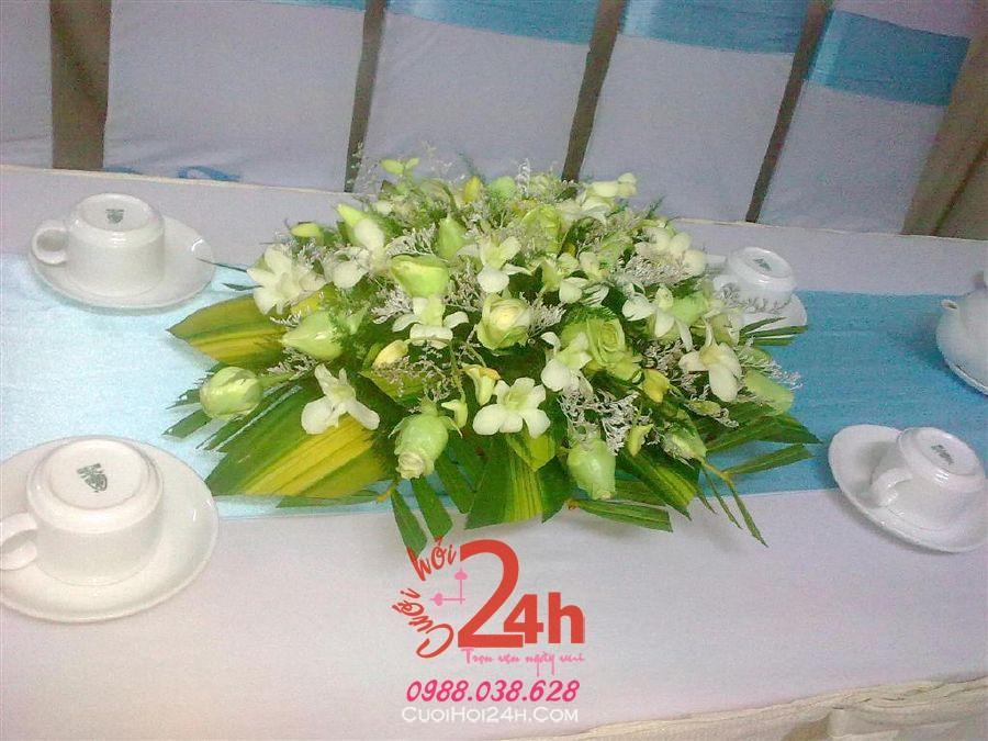Dịch vụ cưới hỏi 24h trọn vẹn ngày vui chuyên trang trí nhà đám cưới hỏi và nhà hàng tiệc cưới | Hoa hồng trắng với hoa hồng xanh