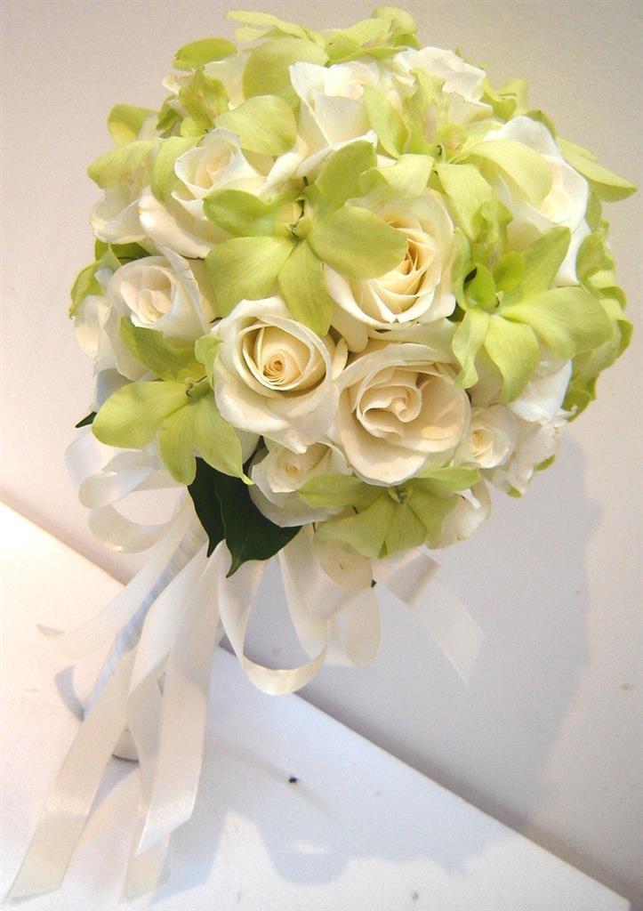 Dịch vụ cưới hỏi 24h trọn vẹn ngày vui chuyên trang trí nhà đám cưới hỏi và nhà hàng tiệc cưới | Hoa hồng trắng với hoa lan xanh