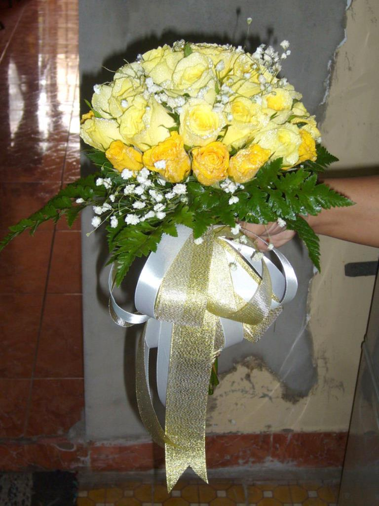 Dịch vụ cưới hỏi 24h trọn vẹn ngày vui chuyên trang trí nhà đám cưới hỏi và nhà hàng tiệc cưới | Hoa hồng vàng