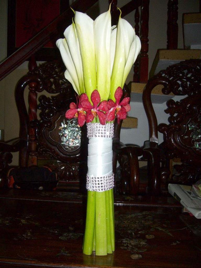 Dịch vụ cưới hỏi 24h trọn vẹn ngày vui chuyên trang trí nhà đám cưới hỏi và nhà hàng tiệc cưới | Hoa loa kèn