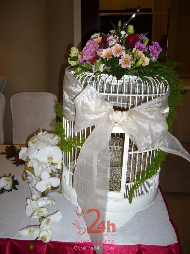 Dịch vụ cưới hỏi 24h trọn vẹn ngày vui chuyên trang trí nhà đám cưới hỏi và nhà hàng tiệc cưới | Hoa trang trí tiệc cưới cùng lồng chim