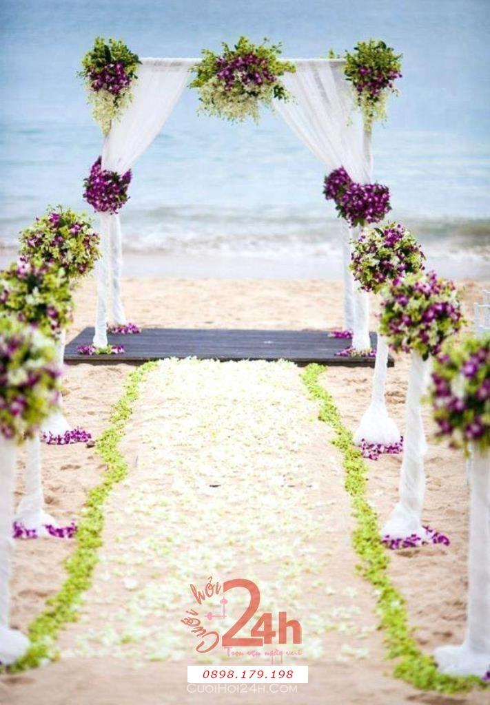 Dịch vụ cưới hỏi 24h trọn vẹn ngày vui chuyên trang trí nhà đám cưới hỏi và nhà hàng tiệc cưới | Trang trí tiệc cưới nhà hàng ngoài bãi biển với cổng hoa tươi