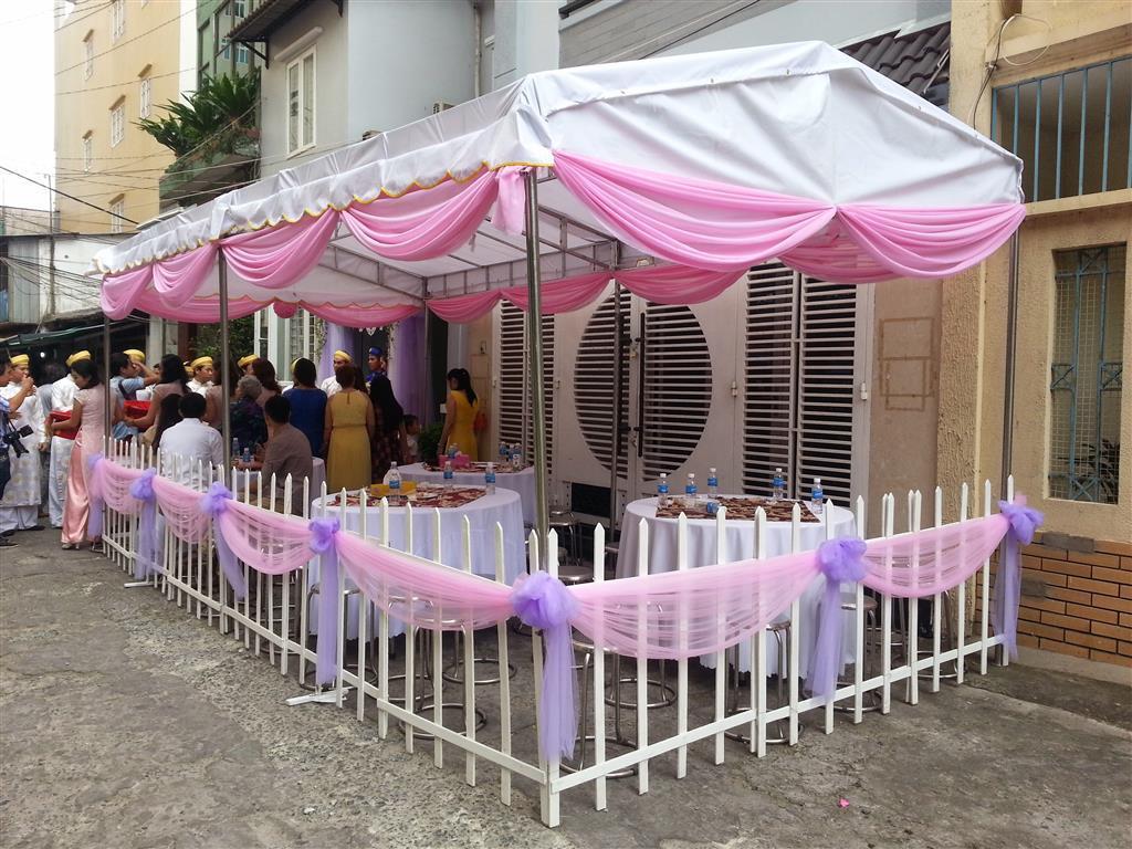 Dịch vụ cưới hỏi 24h trọn vẹn ngày vui chuyên trang trí nhà đám cưới hỏi và nhà hàng tiệc cưới | Khung rạp cưới dễ thương với hai màu hồng phấn và tím cà