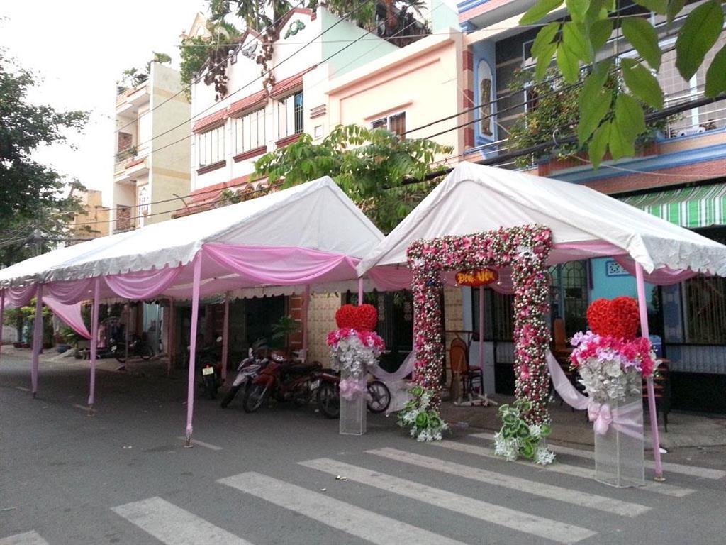 Dịch vụ cưới hỏi 24h trọn vẹn ngày vui chuyên trang trí nhà đám cưới hỏi và nhà hàng tiệc cưới | Khung rạp trắng hồng
