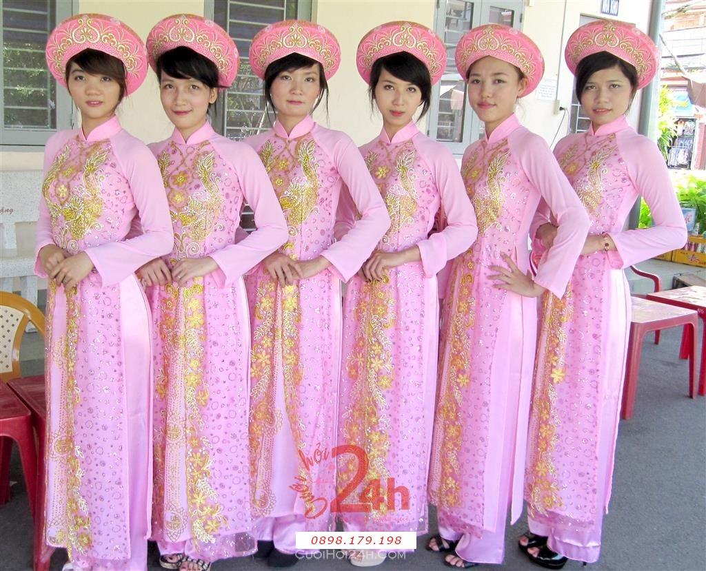Dịch vụ cưới hỏi 24h trọn vẹn ngày vui chuyên trang trí nhà đám cưới hỏi và nhà hàng tiệc cưới | Người bưng mâm quả nữ áo dài hồng nhạt 7
