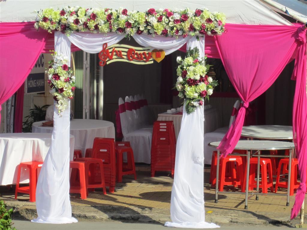 Dịch vụ cưới hỏi 24h trọn vẹn ngày vui chuyên trang trí nhà đám cưới hỏi và nhà hàng tiệc cưới | Nhà bạt, khung rạp voan màu trắng hồng sen