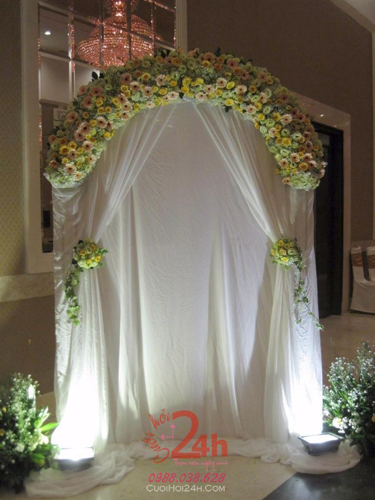 Dịch vụ cưới hỏi 24h trọn vẹn ngày vui chuyên trang trí nhà đám cưới hỏi và nhà hàng tiệc cưới | Phông cưới - Backdrop cùng vải voan và hoa tươi