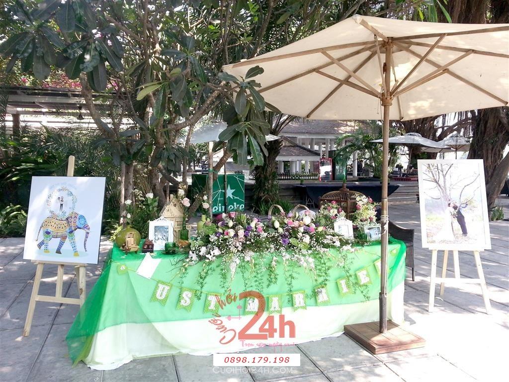 Dịch vụ cưới hỏi 24h trọn vẹn ngày vui chuyên trang trí nhà đám cưới hỏi và nhà hàng tiệc cưới | Trang trí bàn ký tên màu xanh lá tươi đẹp (1)