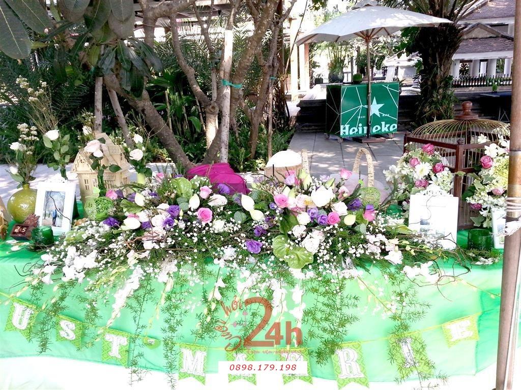 Dịch vụ cưới hỏi 24h trọn vẹn ngày vui chuyên trang trí nhà đám cưới hỏi và nhà hàng tiệc cưới | Trang trí bàn ký tên màu xanh lá tươi đẹp (3)