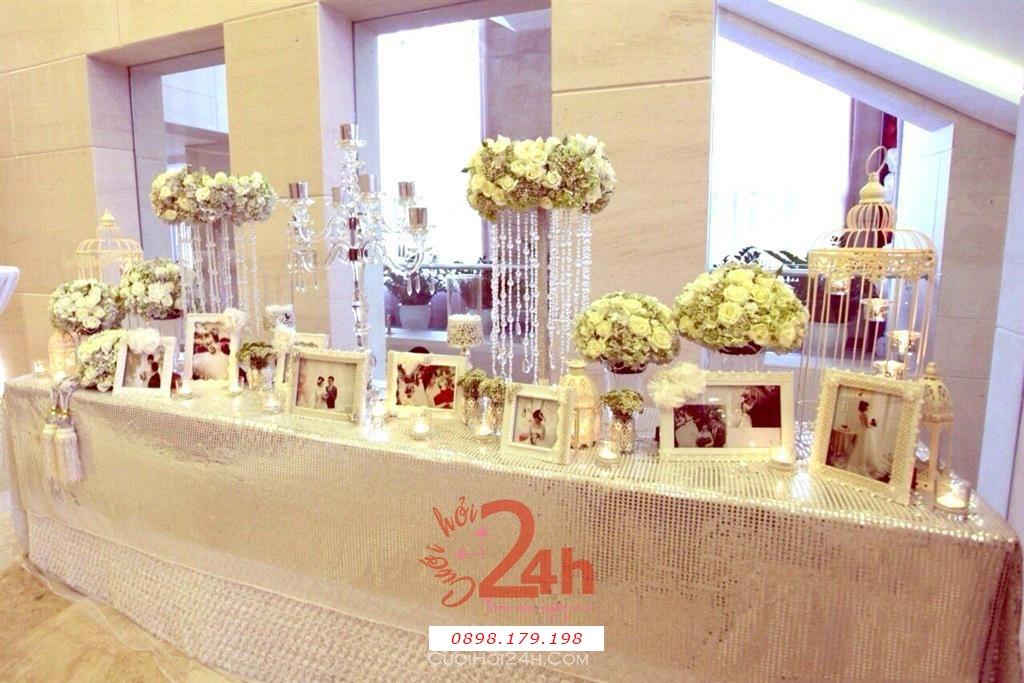 Dịch vụ cưới hỏi 24h trọn vẹn ngày vui chuyên trang trí nhà đám cưới hỏi và nhà hàng tiệc cưới | Trang trí bàn ký tên tong màu nhạt nhẹ nhàng sang trọng (3)