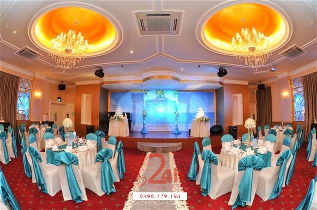 Dịch vụ cưới hỏi 24h trọn vẹn ngày vui chuyên trang trí nhà đám cưới hỏi và nhà hàng tiệc cưới | Trang trí bàn tiệc nhà hàng tông trắng xanh lam