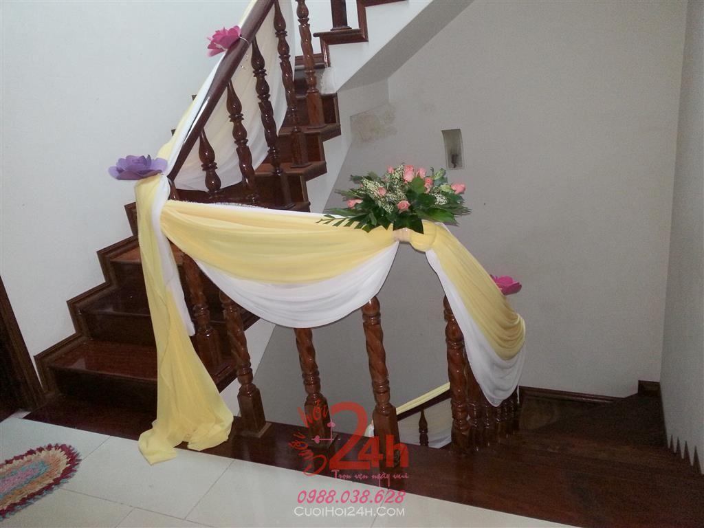 Dịch vụ cưới hỏi 24h trọn vẹn ngày vui chuyên trang trí nhà đám cưới hỏi và nhà hàng tiệc cưới | Trang trí cầu thang 09