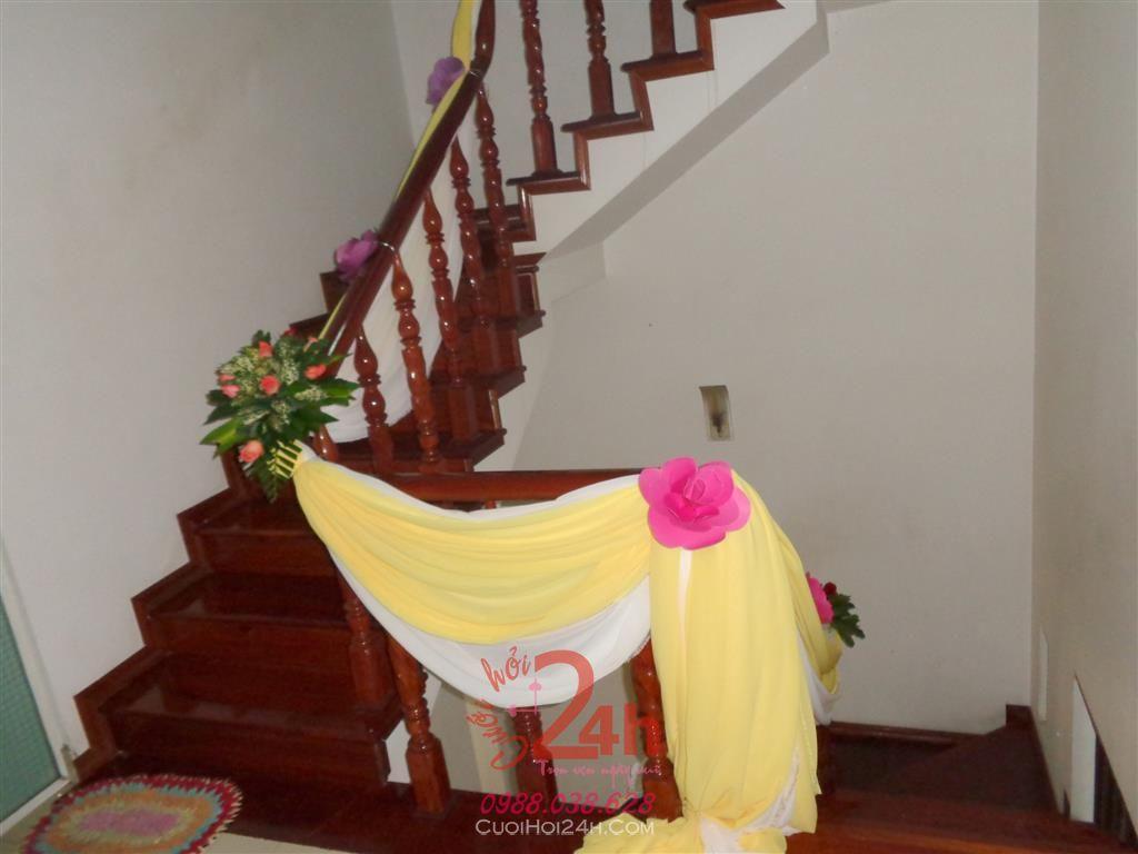 Dịch vụ cưới hỏi 24h trọn vẹn ngày vui chuyên trang trí nhà đám cưới hỏi và nhà hàng tiệc cưới | Trang trí nhà khác với tông vàng