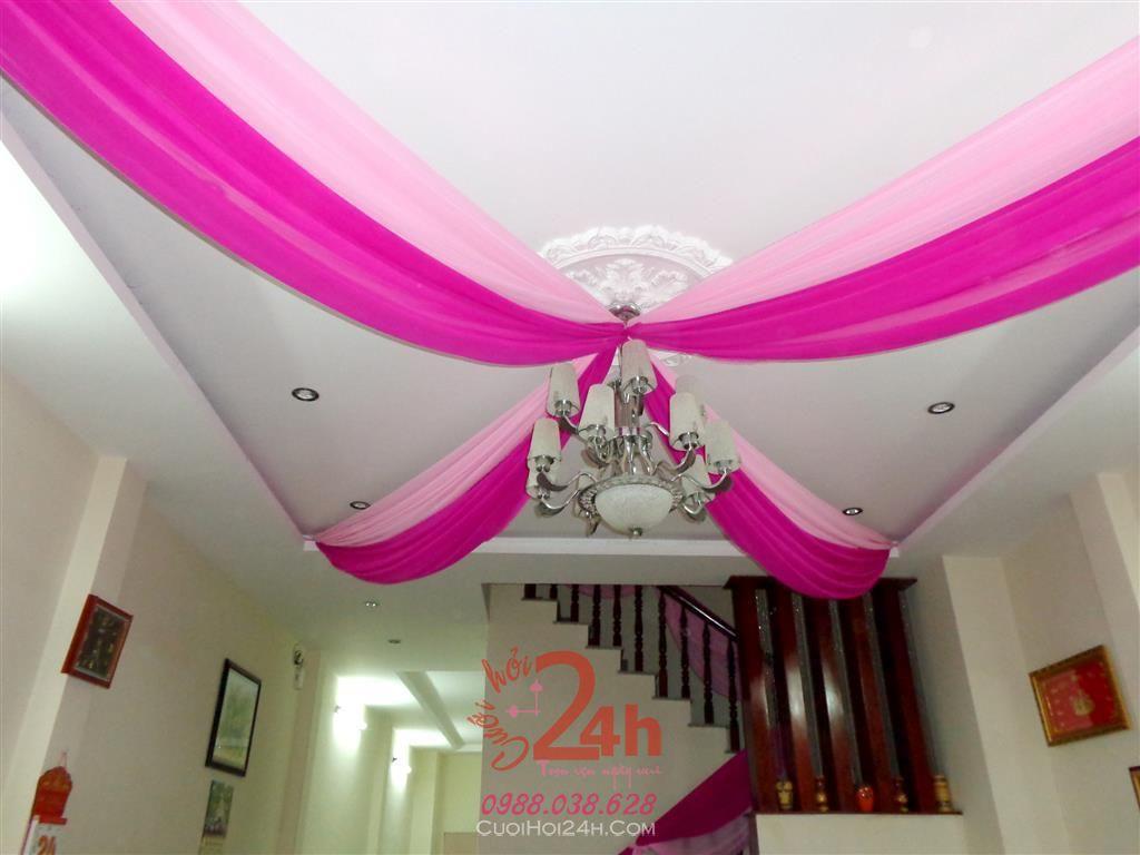 Dịch vụ cưới hỏi 24h trọn vẹn ngày vui chuyên trang trí nhà đám cưới hỏi và nhà hàng tiệc cưới | Trang trí trần nhà cùng đèn chùm và vải voan