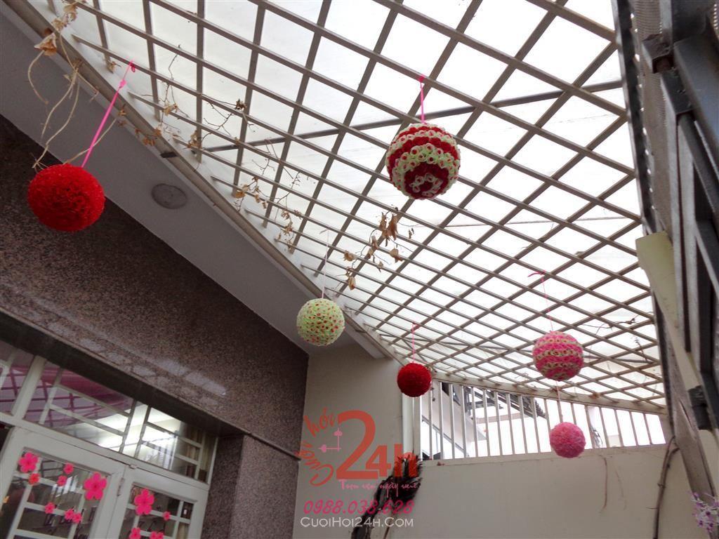Dịch vụ cưới hỏi 24h trọn vẹn ngày vui chuyên trang trí nhà đám cưới hỏi và nhà hàng tiệc cưới | Trang trí trần nhà cùng trái châu