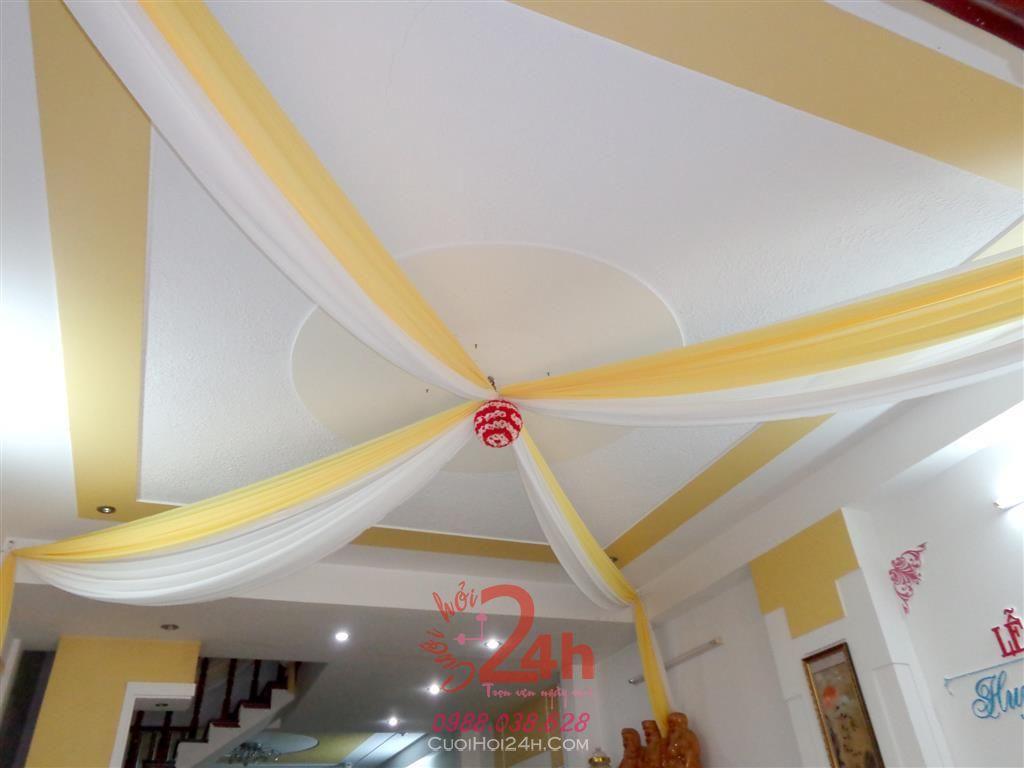 Dịch vụ cưới hỏi 24h trọn vẹn ngày vui chuyên trang trí nhà đám cưới hỏi và nhà hàng tiệc cưới | Trang trí trần nhà trái châu tông vàng