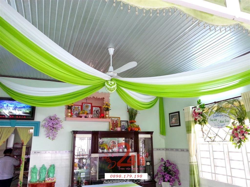 Dịch vụ cưới hỏi 24h trọn vẹn ngày vui chuyên trang trí nhà đám cưới hỏi và nhà hàng tiệc cưới | Trang trí voan trần nhà trắng xanh lá tươi tắn