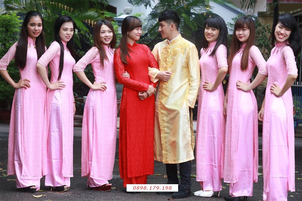 Dịch vụ cưới hỏi 24h trọn vẹn ngày vui chuyên trang trí nhà đám cưới hỏi và nhà hàng tiệc cưới | Đội bưng quả nữ với áo dài hồng nhạt