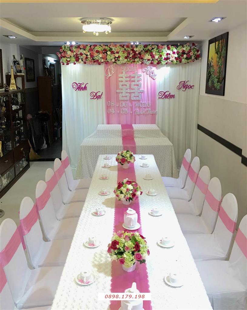 Dịch vụ cưới hỏi 24h trọn vẹn ngày vui chuyên trang trí nhà đám cưới hỏi và nhà hàng tiệc cưới | Trang trí nhà cưới hỏi tông trắng hồng ngọt ngào (3)