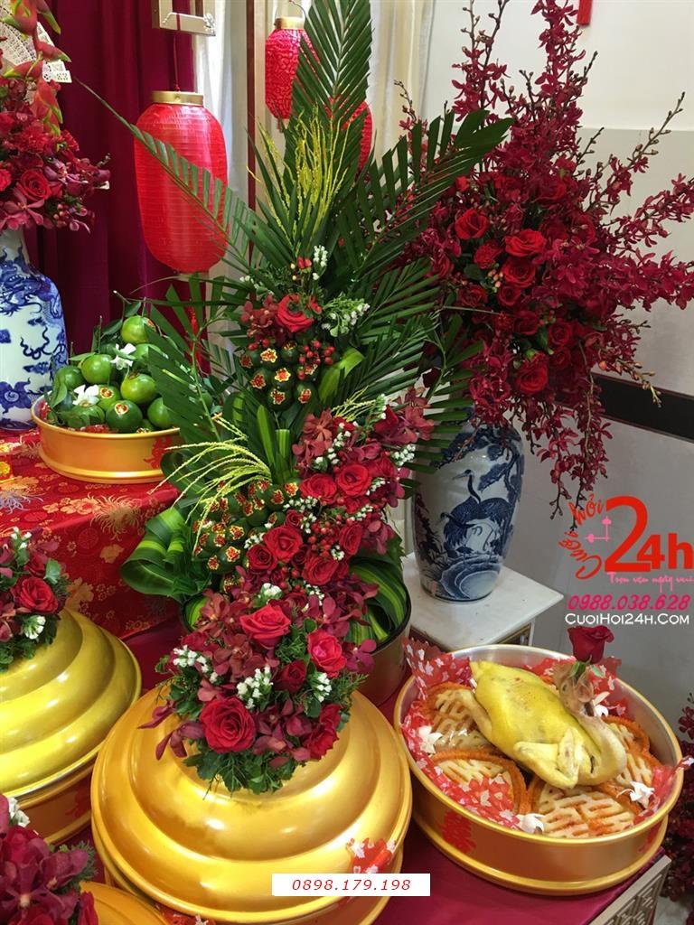 Dịch vụ cưới hỏi 24h trọn vẹn ngày vui chuyên trang trí nhà đám cưới hỏi và nhà hàng tiệc cưới | Mâm tráp cưới hỏi cao cấp ngày cưới sơn mài vàng nắp kết hoa đỏ rực rỡ
