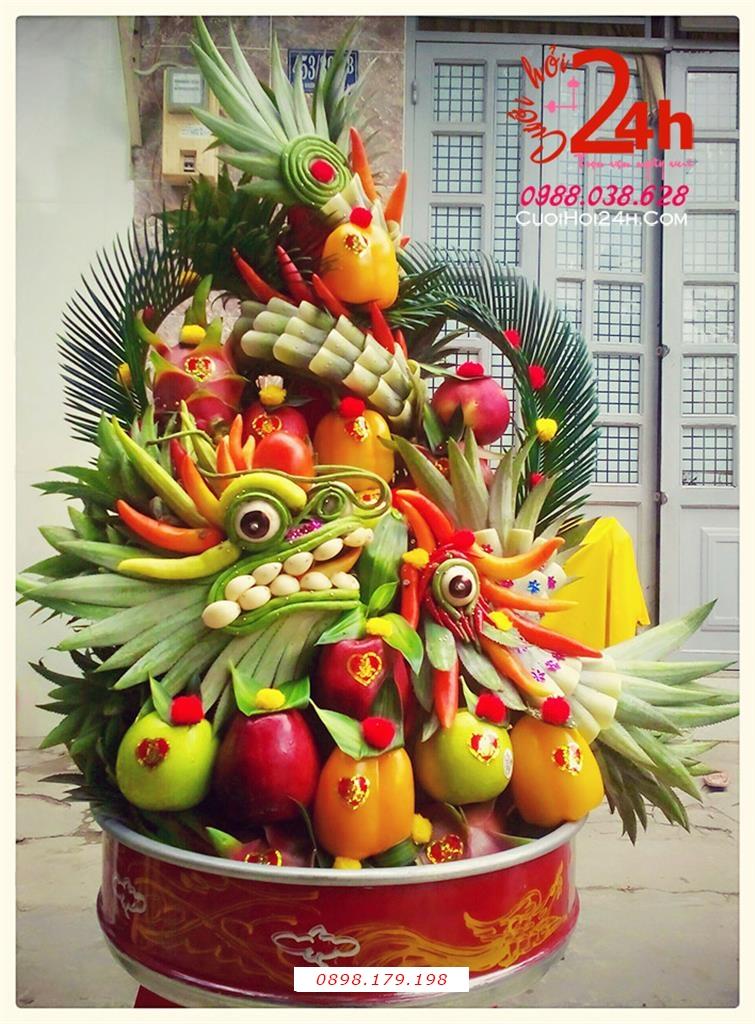 Dịch vụ cưới hỏi 24h trọn vẹn ngày vui chuyên trang trí nhà đám cưới hỏi và nhà hàng tiệc cưới | Mâm tráp cưới hỏi trái cây kết hình rồng phụng từ trái cây tươi