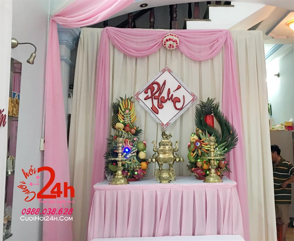 Dịch vụ cưới hỏi 24h trọn vẹn ngày vui chuyên trang trí nhà đám cưới hỏi và nhà hàng tiệc cưới | Bàn gia tiên ngày cưới tông trắng hồng phấn
