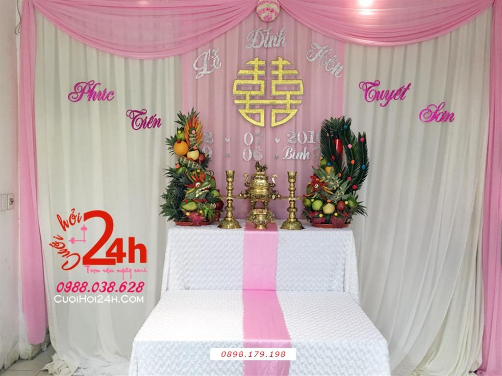 Dịch vụ cưới hỏi 24h trọn vẹn ngày vui chuyên trang trí nhà đám cưới hỏi và nhà hàng tiệc cưới | Trang trí bàn gia tiên ngày cưới voan trắng hồng phấn cùng cặp rồng phụng