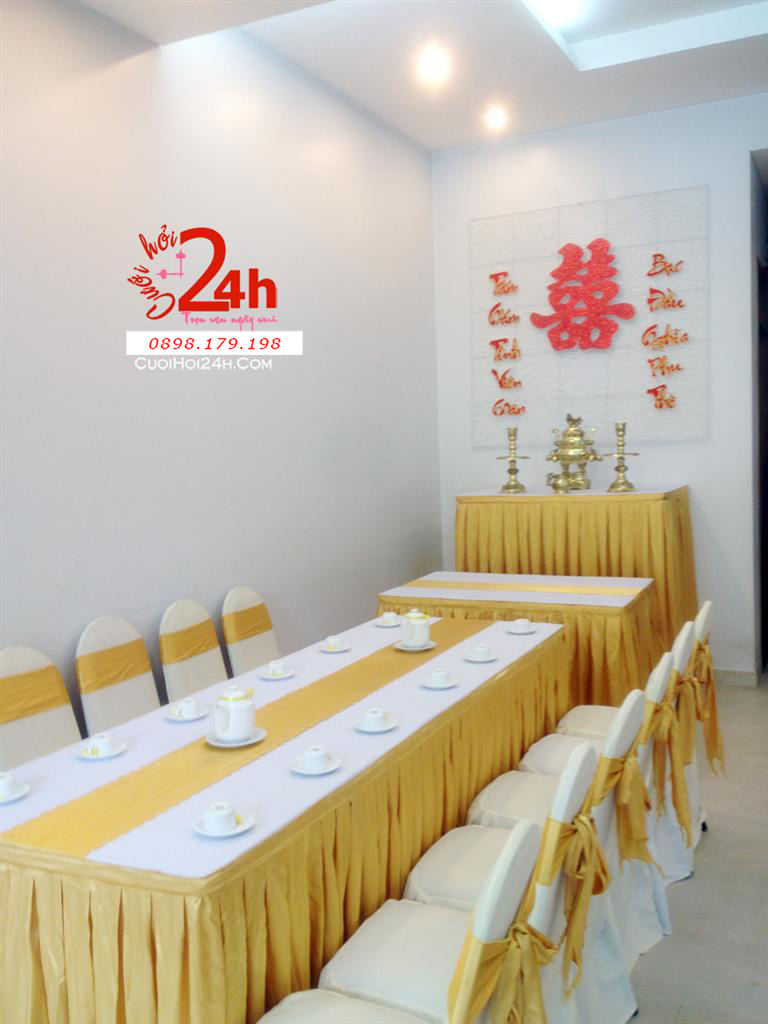 Dịch vụ cưới hỏi 24h trọn vẹn ngày vui chuyên trang trí nhà đám cưới hỏi và nhà hàng tiệc cưới | Trang trí nhà cưới hỏi màu vàng kim sang trọng