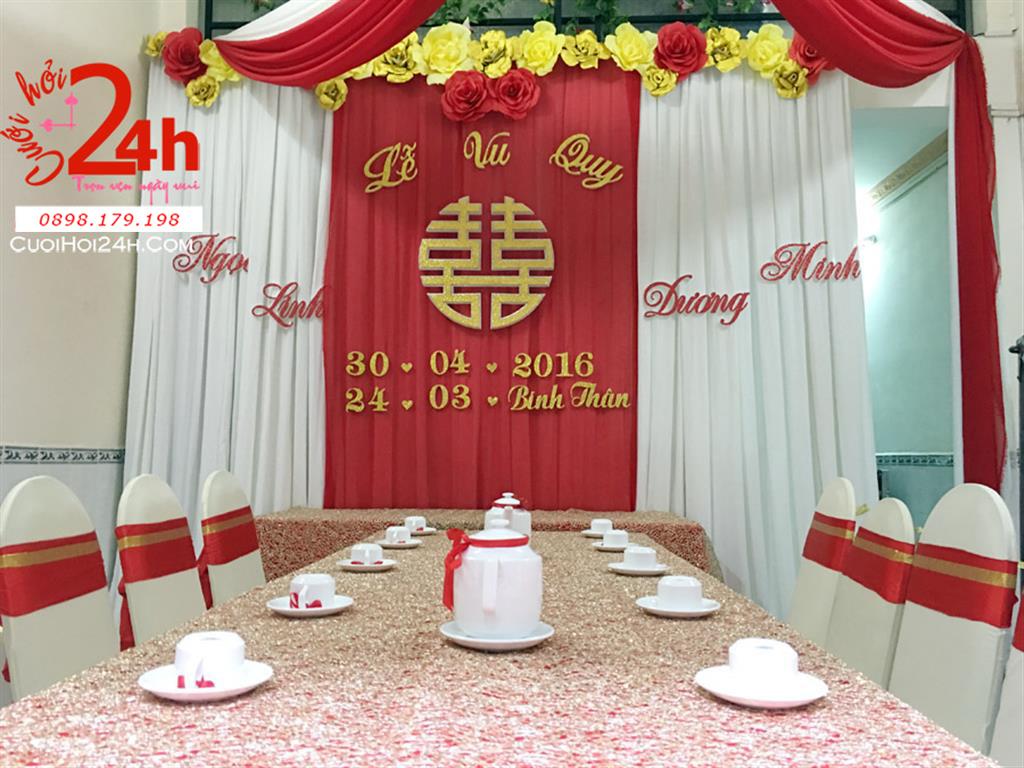 Dịch vụ cưới hỏi 24h trọn vẹn ngày vui chuyên trang trí nhà đám cưới hỏi và nhà hàng tiệc cưới | Trang trí nhà cưới hỏi voan trắng đỏ trang trí với hoa giấy vàng