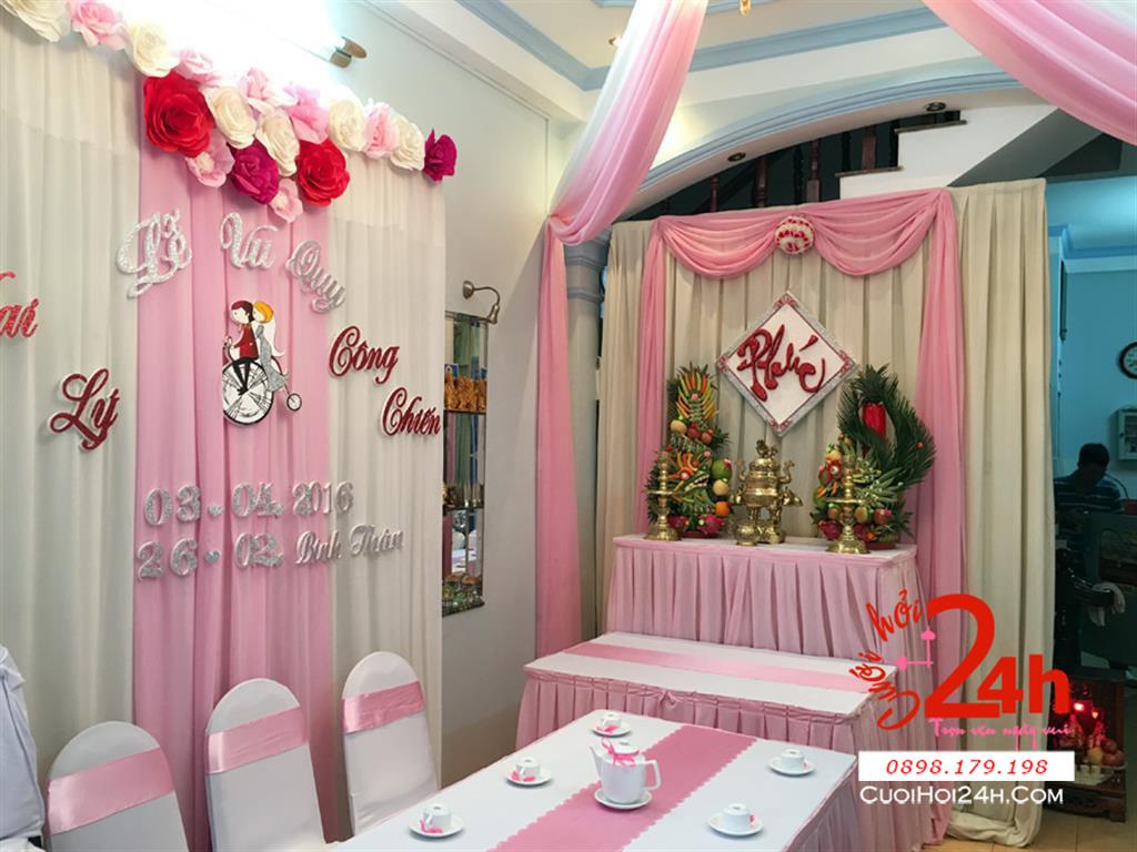 Dịch vụ cưới hỏi 24h trọn vẹn ngày vui chuyên trang trí nhà đám cưới hỏi và nhà hàng tiệc cưới | Trang trí nhà cưới hỏi voan trắng hồng phấn cùng cặp rồng phụng trái cây