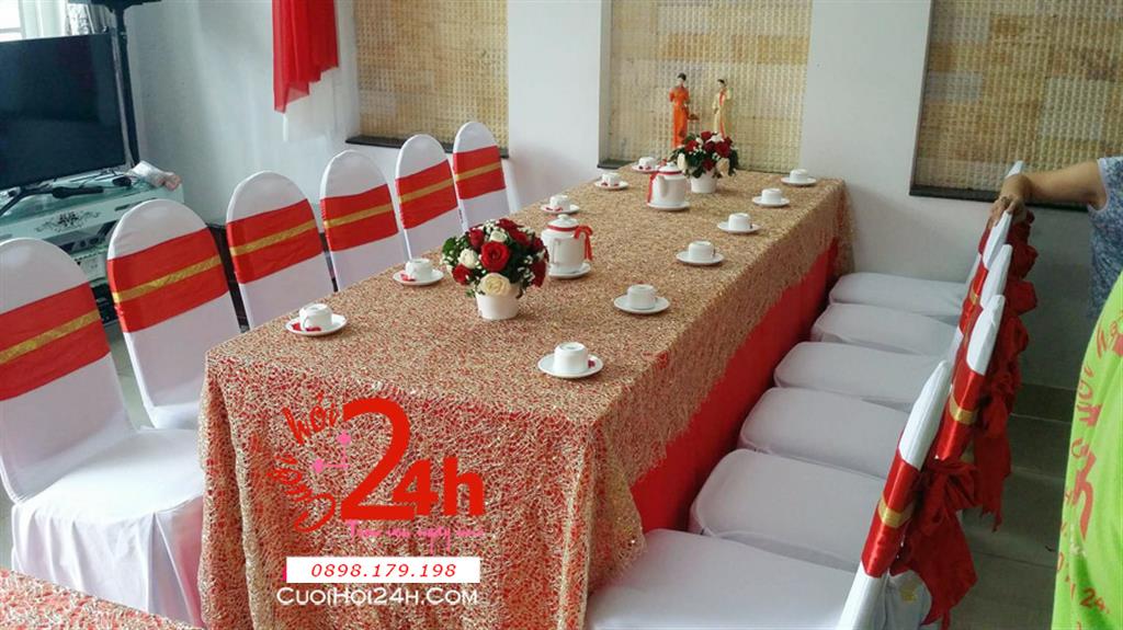 Dịch vụ cưới hỏi 24h trọn vẹn ngày vui chuyên trang trí nhà đám cưới hỏi và nhà hàng tiệc cưới | Trang trí nhà cưới tông đỏ vàng nổi bât