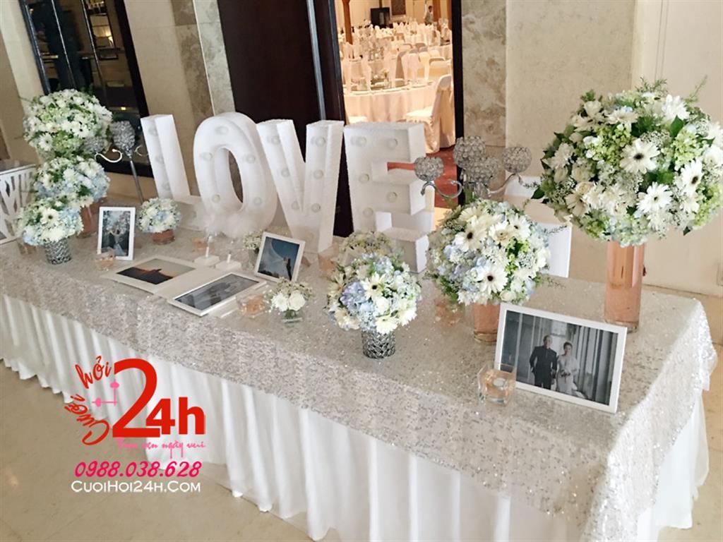 Dịch vụ cưới hỏi 24h trọn vẹn ngày vui chuyên trang trí nhà đám cưới hỏi và nhà hàng tiệc cưới | Bàn ký tên ngày cưới tông trắng trang trí hoa trắng xanh lá