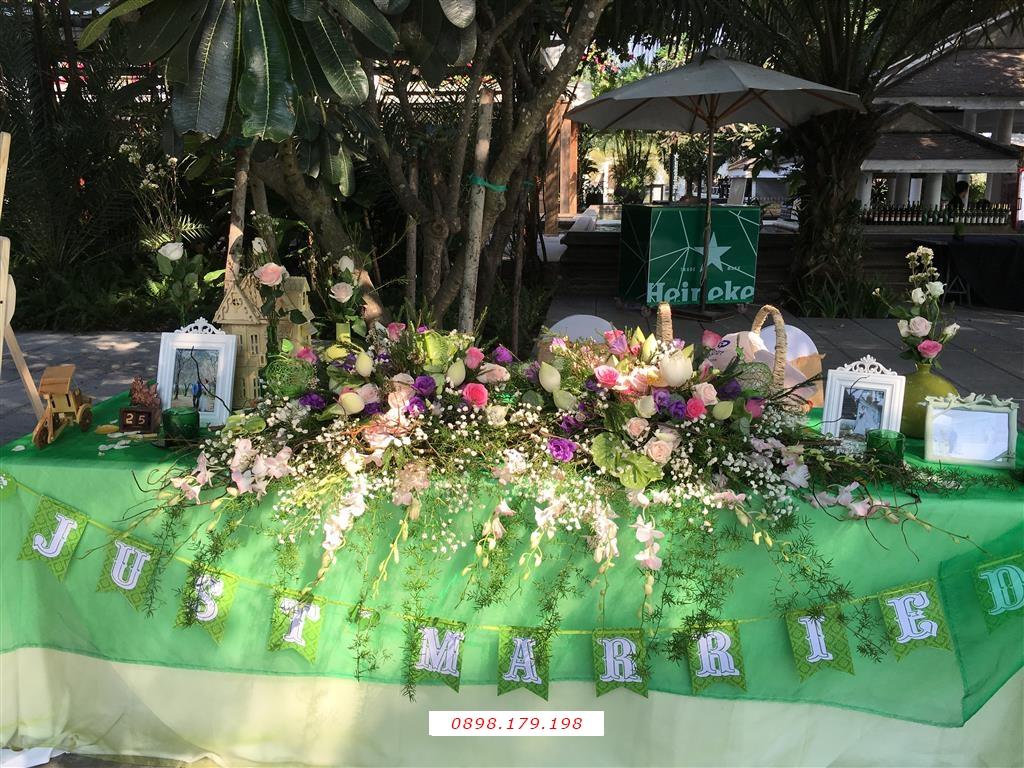 Dịch vụ cưới hỏi 24h trọn vẹn ngày vui chuyên trang trí nhà đám cưới hỏi và nhà hàng tiệc cưới | Bàn ký tên ngày cưới tông xanh lá cây