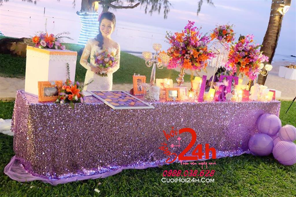 Dịch vụ cưới hỏi 24h trọn vẹn ngày vui chuyên trang trí nhà đám cưới hỏi và nhà hàng tiệc cưới | Bàn ký tên ngày cưới trang trí ánh kim sang trọng