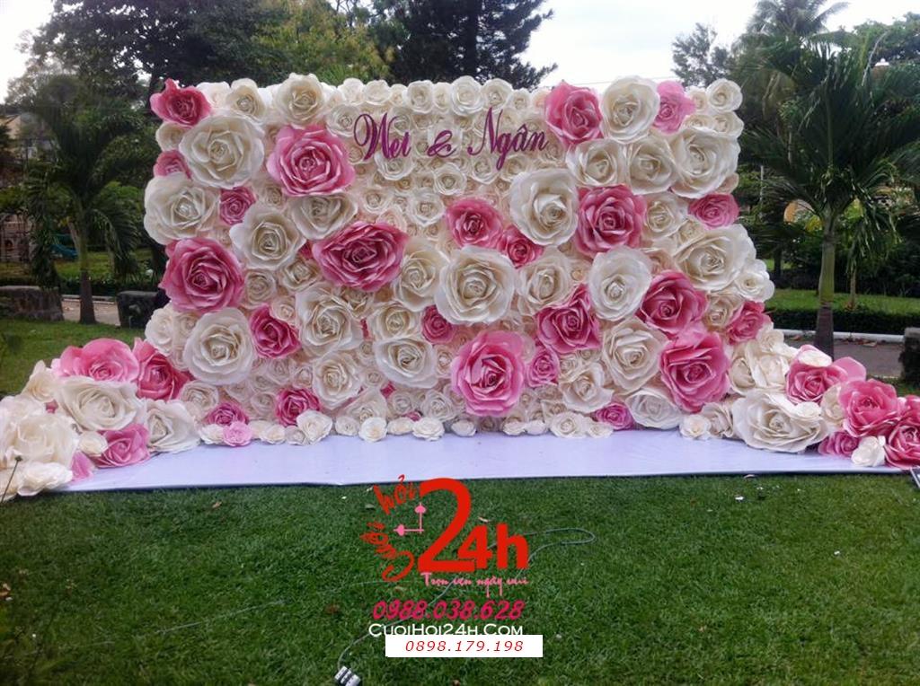 Dịch vụ cưới hỏi 24h trọn vẹn ngày vui chuyên trang trí nhà đám cưới hỏi và nhà hàng tiệc cưới | Backdrop hoa giấy to trắng hồng ngày cưới