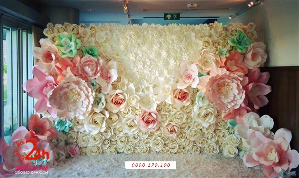 Dịch vụ cưới hỏi 24h trọn vẹn ngày vui chuyên trang trí nhà đám cưới hỏi và nhà hàng tiệc cưới | Backdrop hoa giấy tông trắng hồng phấn