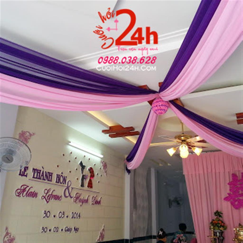 Dịch vụ cưới hỏi 24h trọn vẹn ngày vui chuyên trang trí nhà đám cưới hỏi và nhà hàng tiệc cưới | Trang trí trần nhà ngày cưới voan tím hồng
