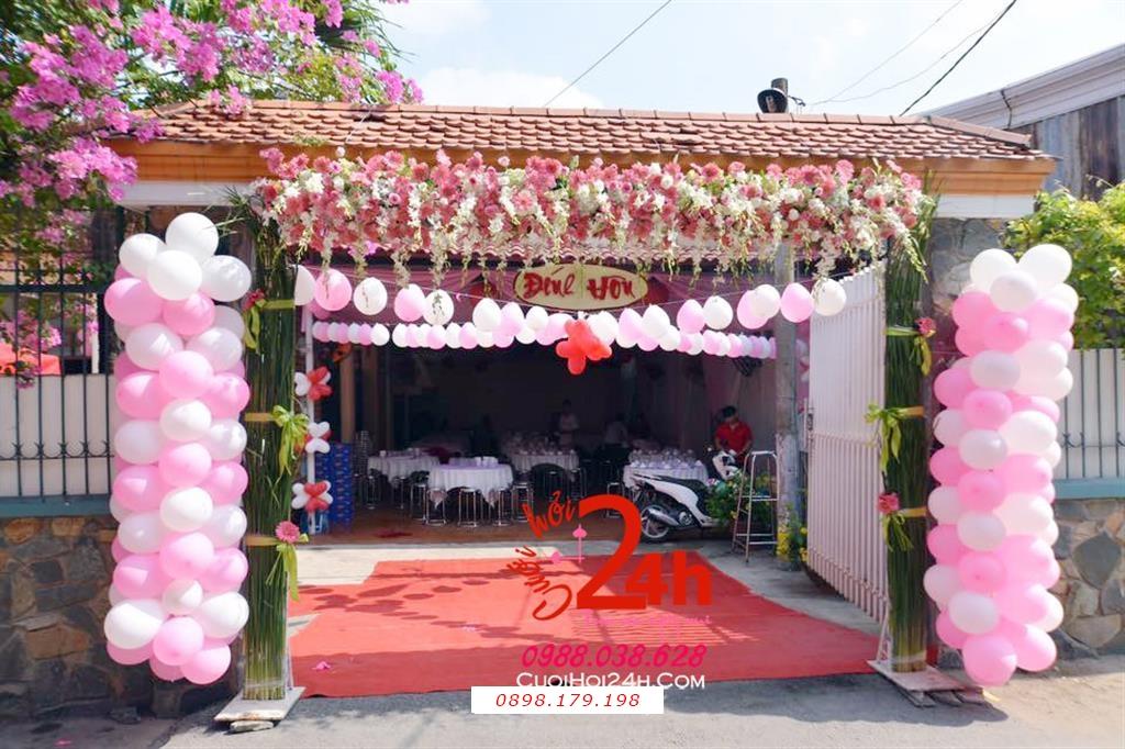 Dịch vụ cưới hỏi 24h trọn vẹn ngày vui chuyên trang trí nhà đám cưới hỏi và nhà hàng tiệc cưới | Cổng hoa ngày cưới mái kết hoa tươi chân phối bóng bóng