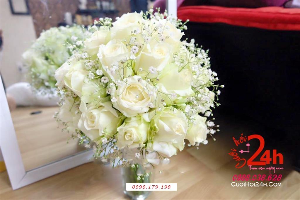 Dịch vụ cưới hỏi 24h trọn vẹn ngày vui chuyên trang trí nhà đám cưới hỏi và nhà hàng tiệc cưới | Bó hoa cầm tay cô dâu ngày cưới kết từ hoa hồng trắng cùng baby trắng