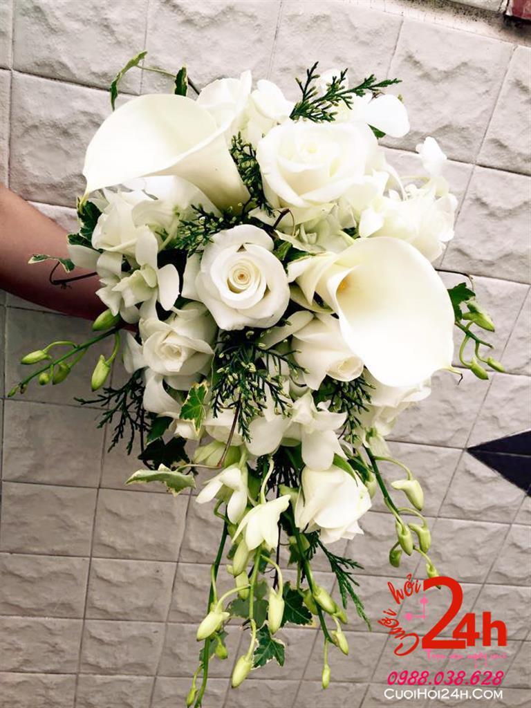 Dịch vụ cưới hỏi 24h trọn vẹn ngày vui chuyên trang trí nhà đám cưới hỏi và nhà hàng tiệc cưới | Dịch vụ bó hoa cầm tay cô dâu tông trắng tinh khôi