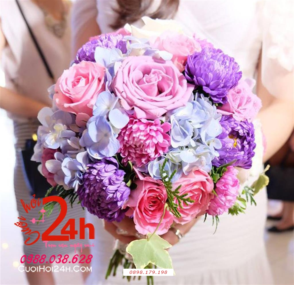 Dịch vụ cưới hỏi 24h trọn vẹn ngày vui chuyên trang trí nhà đám cưới hỏi và nhà hàng tiệc cưới | Hoa cầm tay cô dâu kết từ hoa đa sắc
