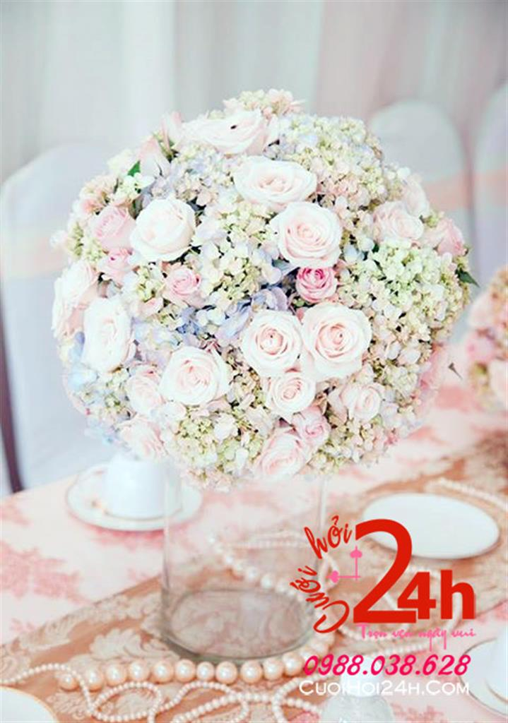 Dịch vụ cưới hỏi 24h trọn vẹn ngày vui chuyên trang trí nhà đám cưới hỏi và nhà hàng tiệc cưới | Hoa để bàn tông hồng pastel trang trí chũi màu hồng nhạt