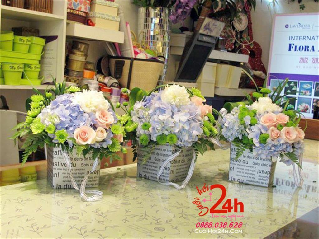 Dịch vụ cưới hỏi 24h trọn vẹn ngày vui chuyên trang trí nhà đám cưới hỏi và nhà hàng tiệc cưới | Hoa trang trí tiệc cưới thấp tròn đẹp tông hồng xanh
