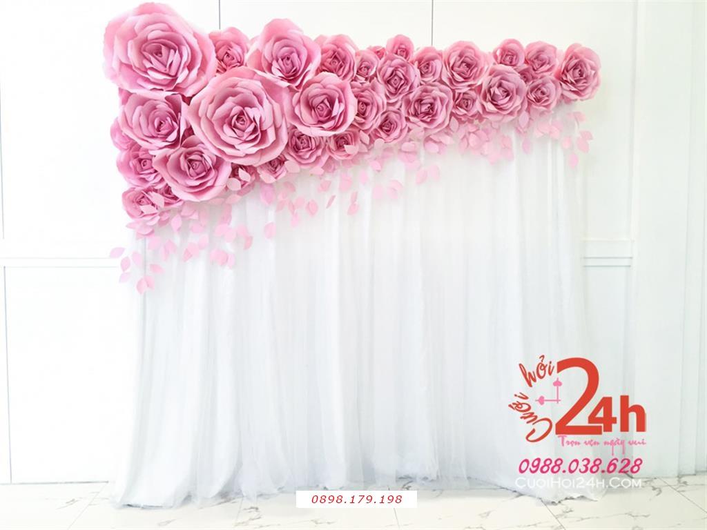 Dịch vụ cưới hỏi 24h trọn vẹn ngày vui chuyên trang trí nhà đám cưới hỏi và nhà hàng tiệc cưới | Phông cưới vải voan mềm mại kết hoa giấy màu hồng