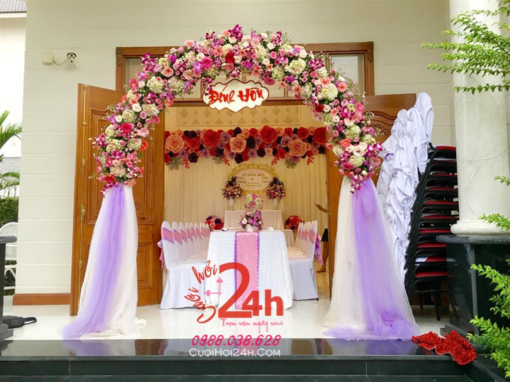 Dịch vụ cưới hỏi 24h trọn vẹn ngày vui chuyên trang trí nhà đám cưới hỏi và nhà hàng tiệc cưới | Cổng hoa tươi đám cưới tông màu hồng tím