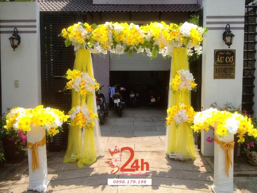 Dịch vụ cưới hỏi 24h trọn vẹn ngày vui chuyên trang trí nhà đám cưới hỏi và nhà hàng tiệc cưới | Cổng hoa tươi tông màu vàng ngọt ngào có kèm hai trụ hoa
